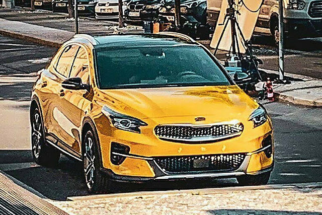 Kia Xceed: rival do VW T-Roc é flagrado sem camuflagem